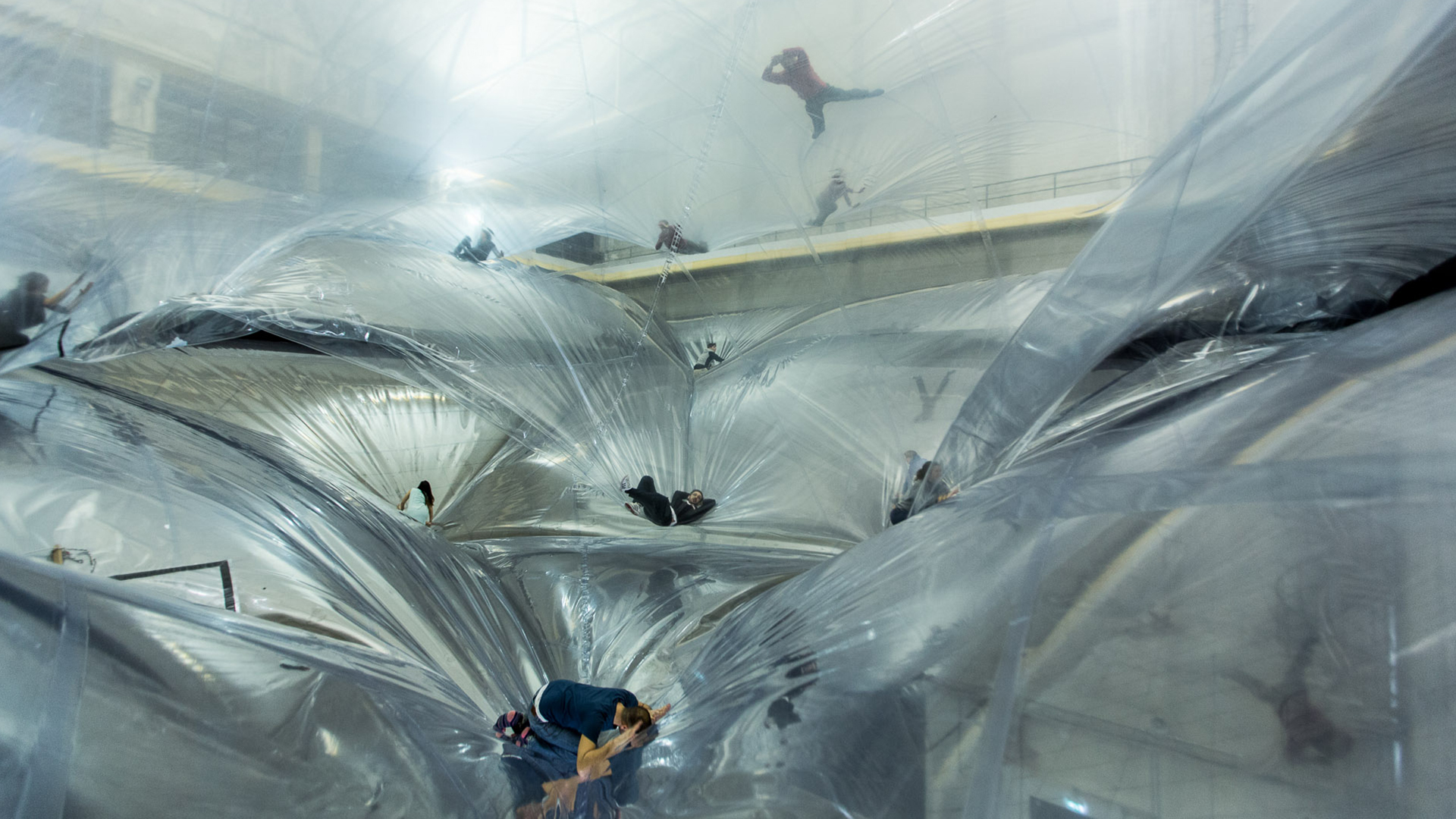 on space time foam tomas saraceno