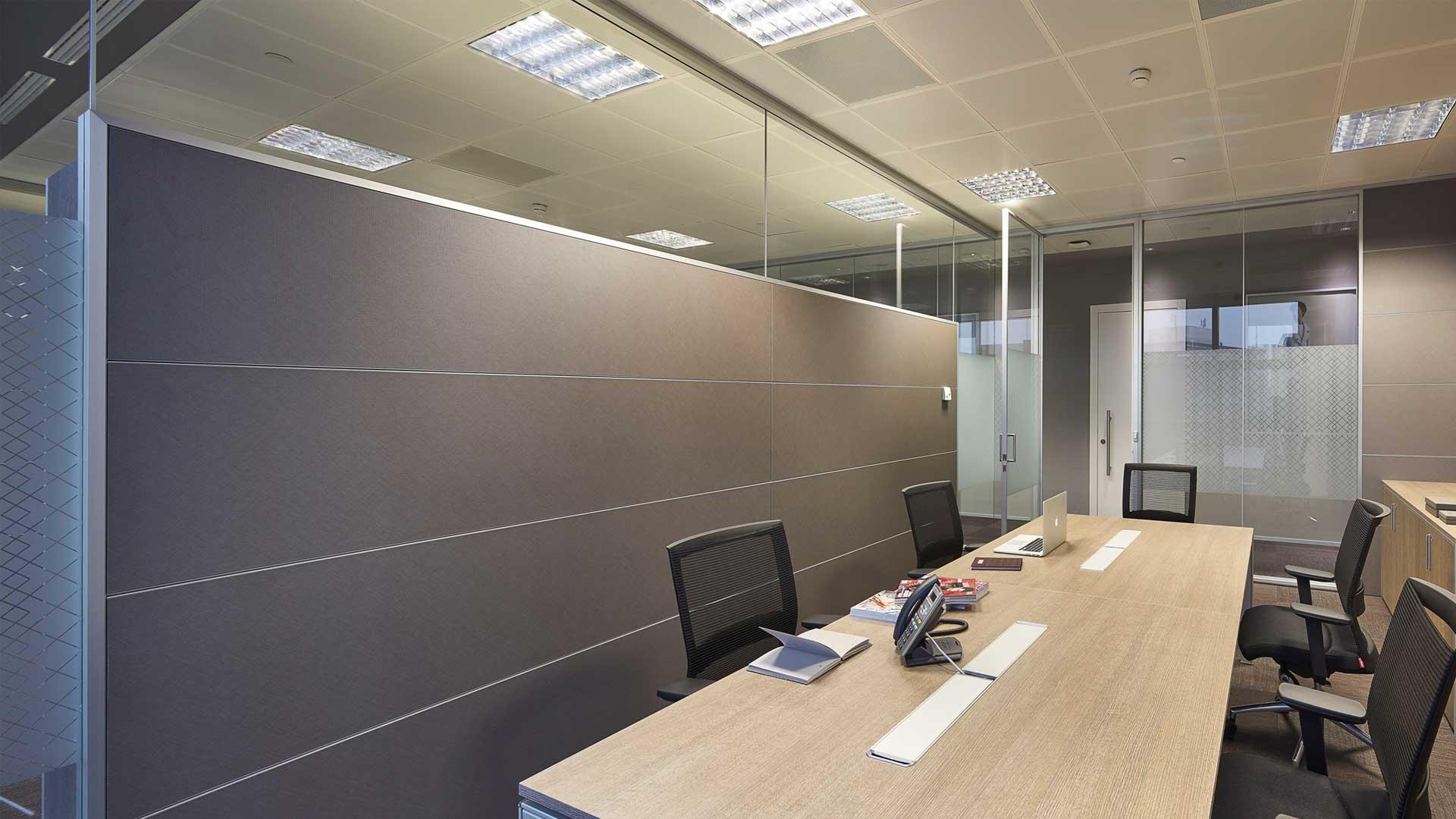 Privacy-visiva-in-ufficio-Canali-Milano