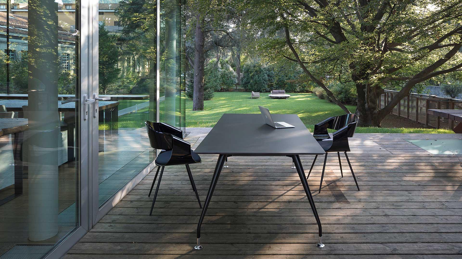 Tavoli-riunione-Fjord-Black-Level-Office-Landscape