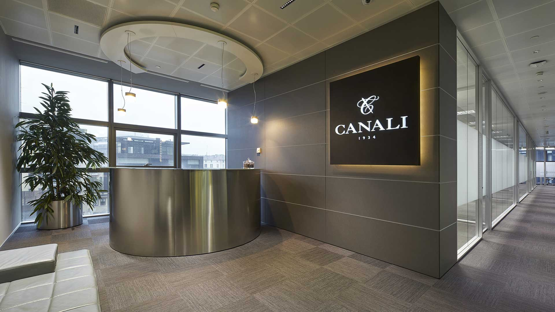 Reception-custom-made-Canali-Level