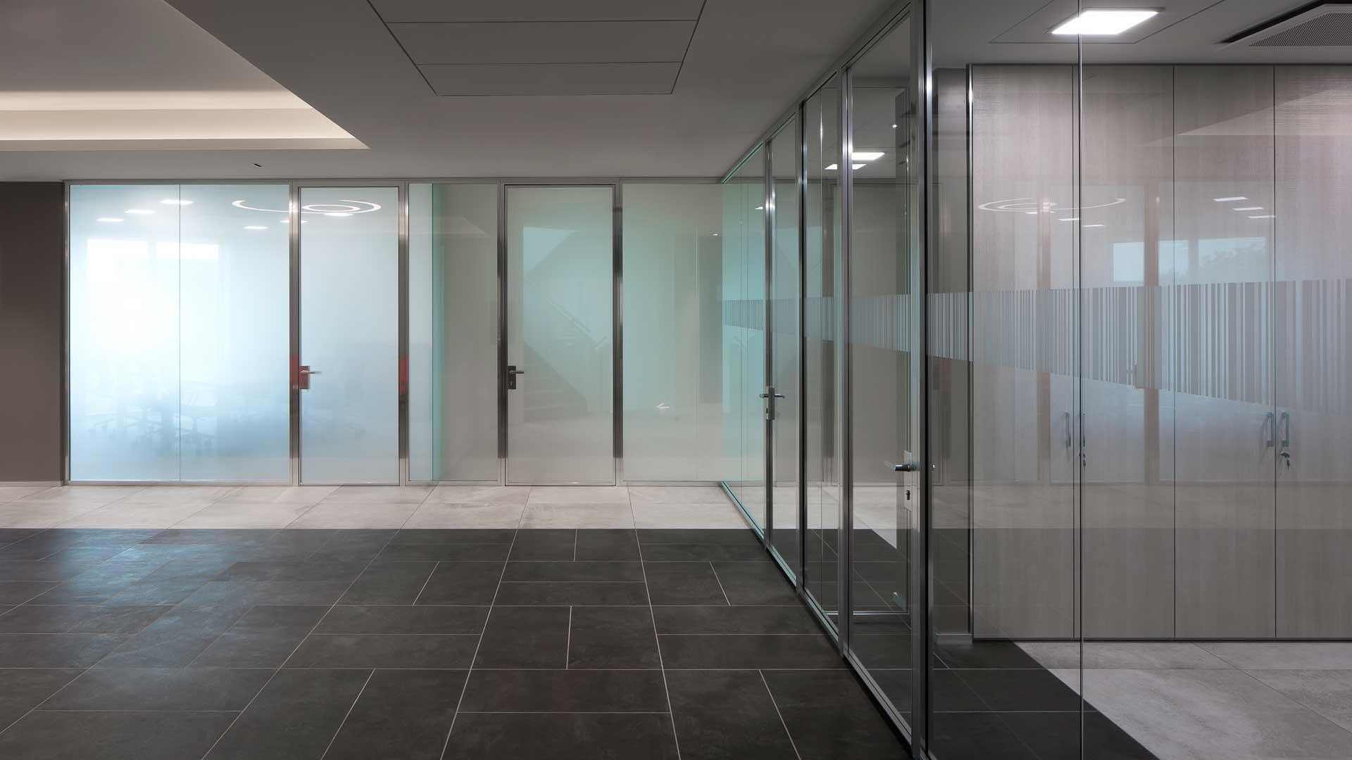 Pareti-divisorie-o-pareti-in-cartongesso-per-l'ufficio-Viemmeporte-meeting