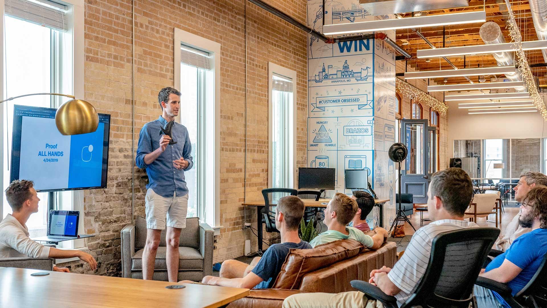 Millennials-al-lavoro-mentore-Level-Office-Landscape