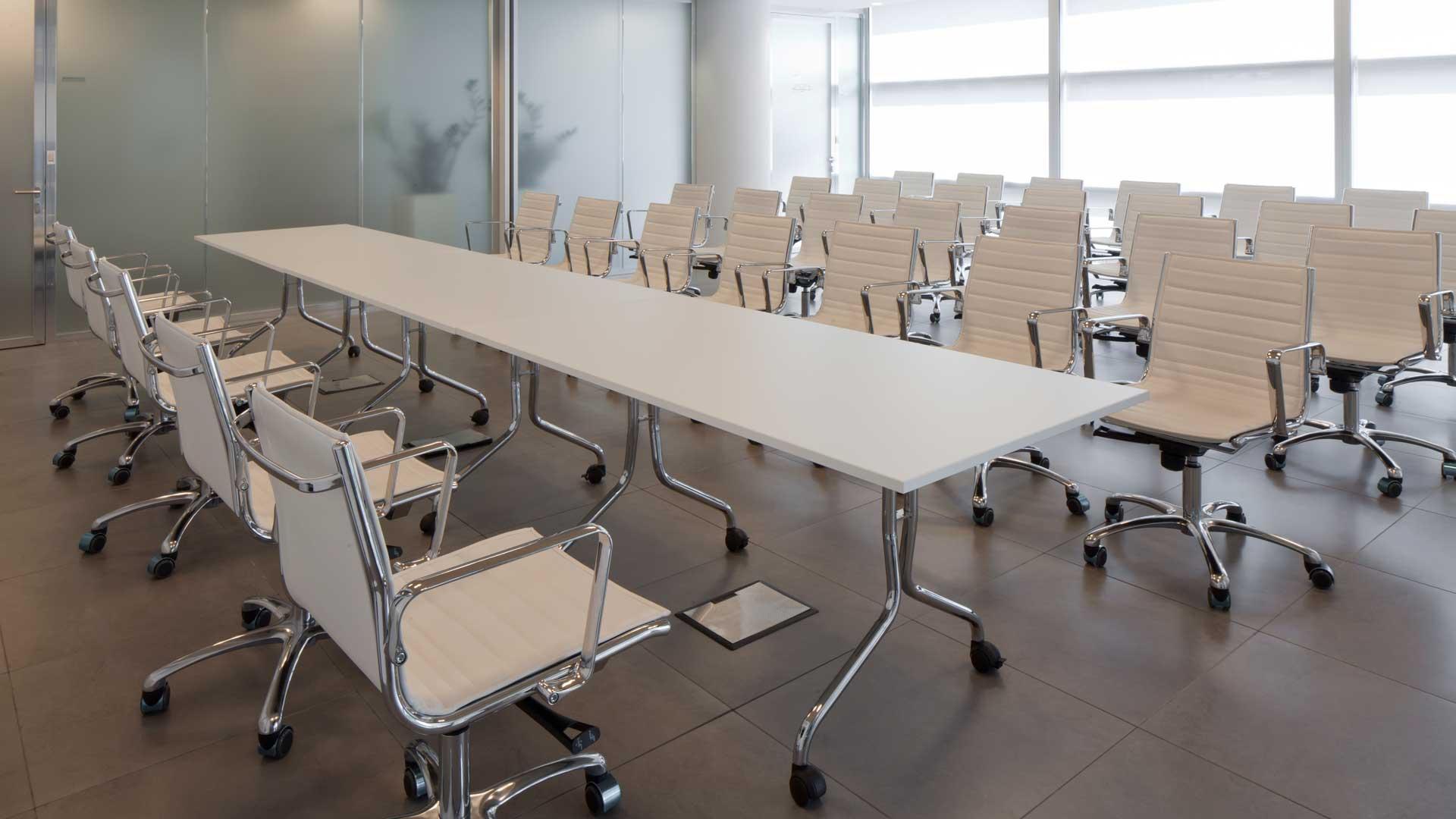 tavoli-su-ruote-Leo-Pharma-training-room-Level-Office-Landscape