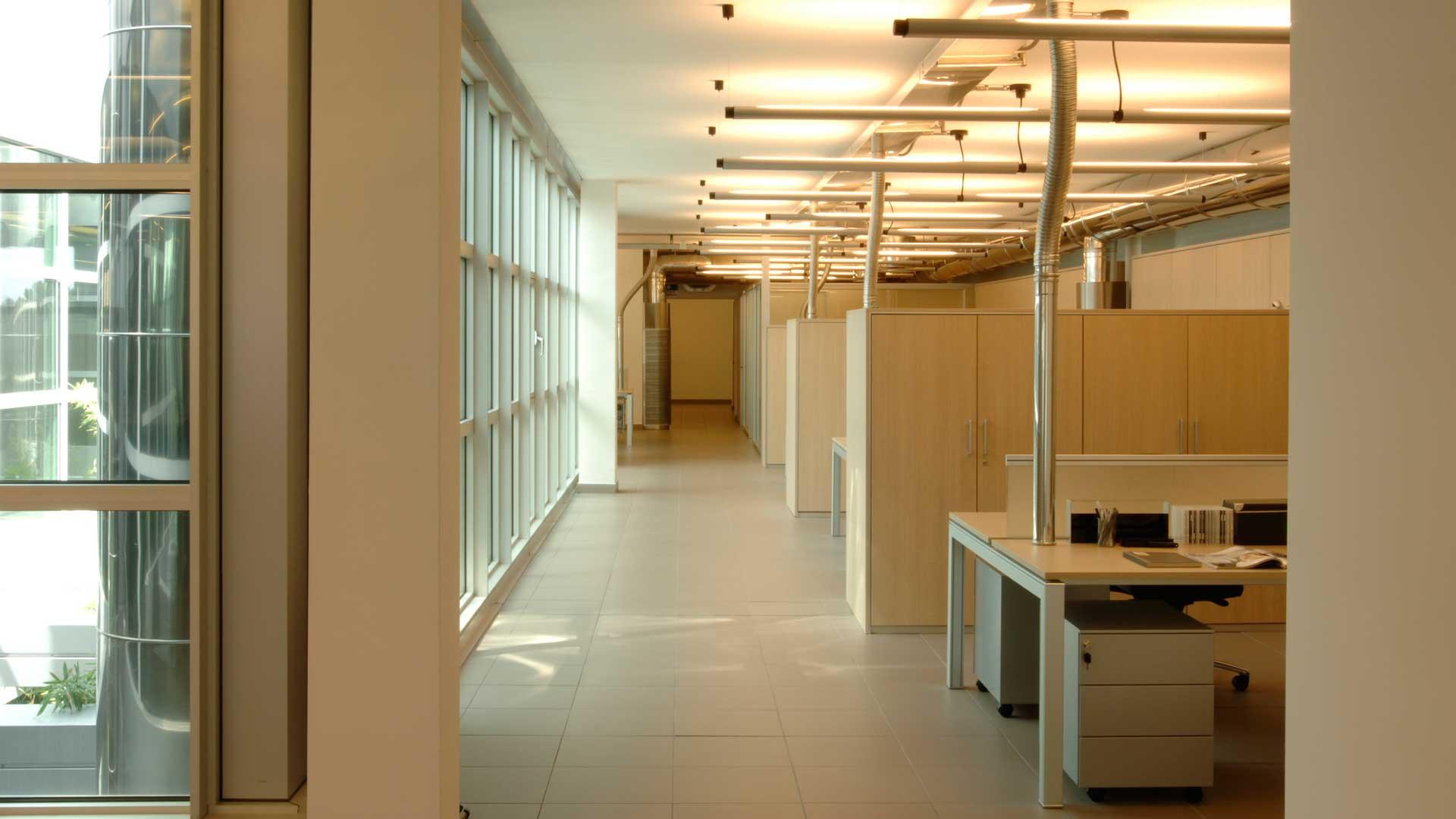 Pareti-attrezzate-per-ufficio-Mach-2-Libri-Level-Office-Landscape