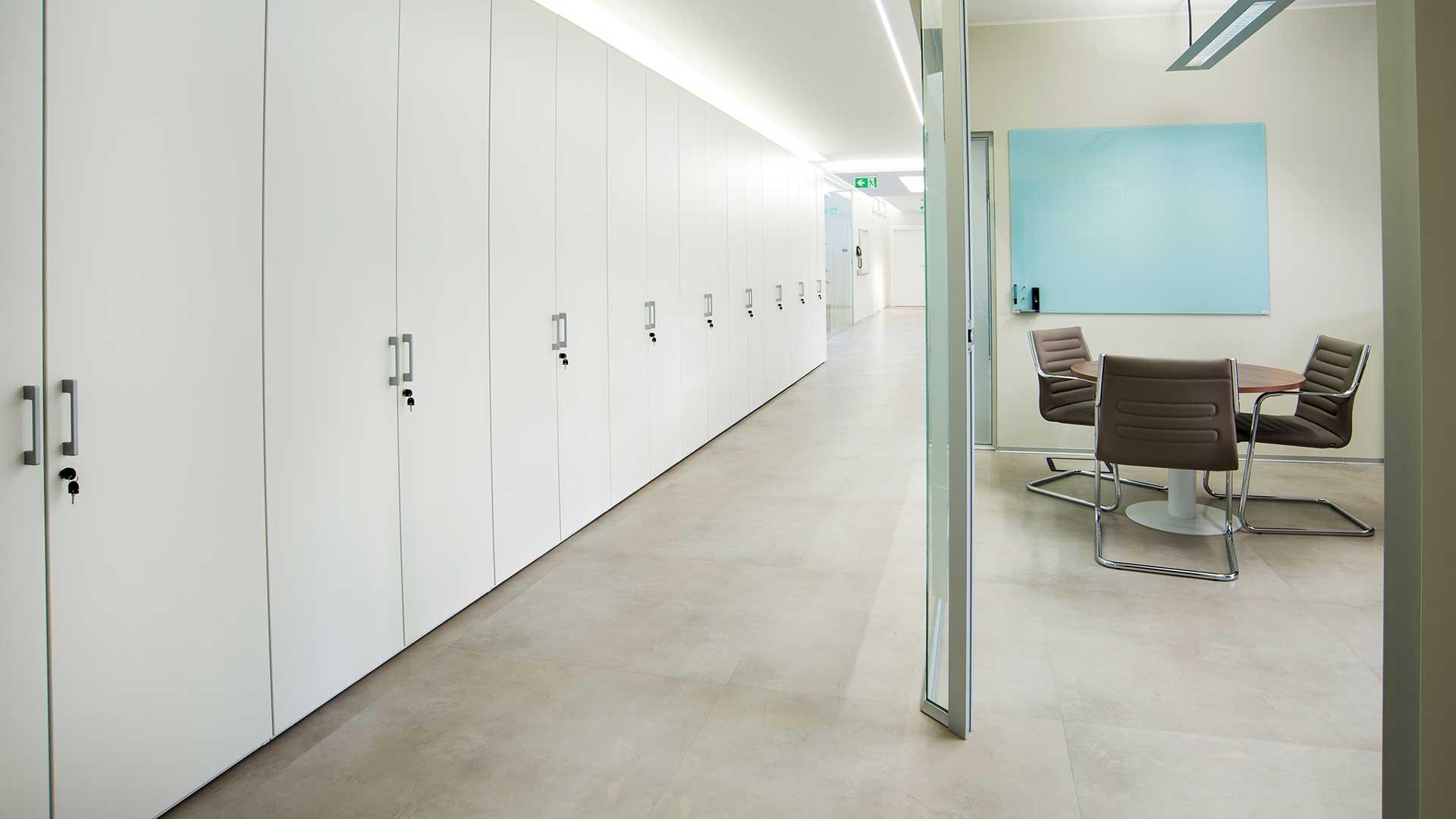 pareti-attrezzate-ufficio-2-Level-Office-Landscape