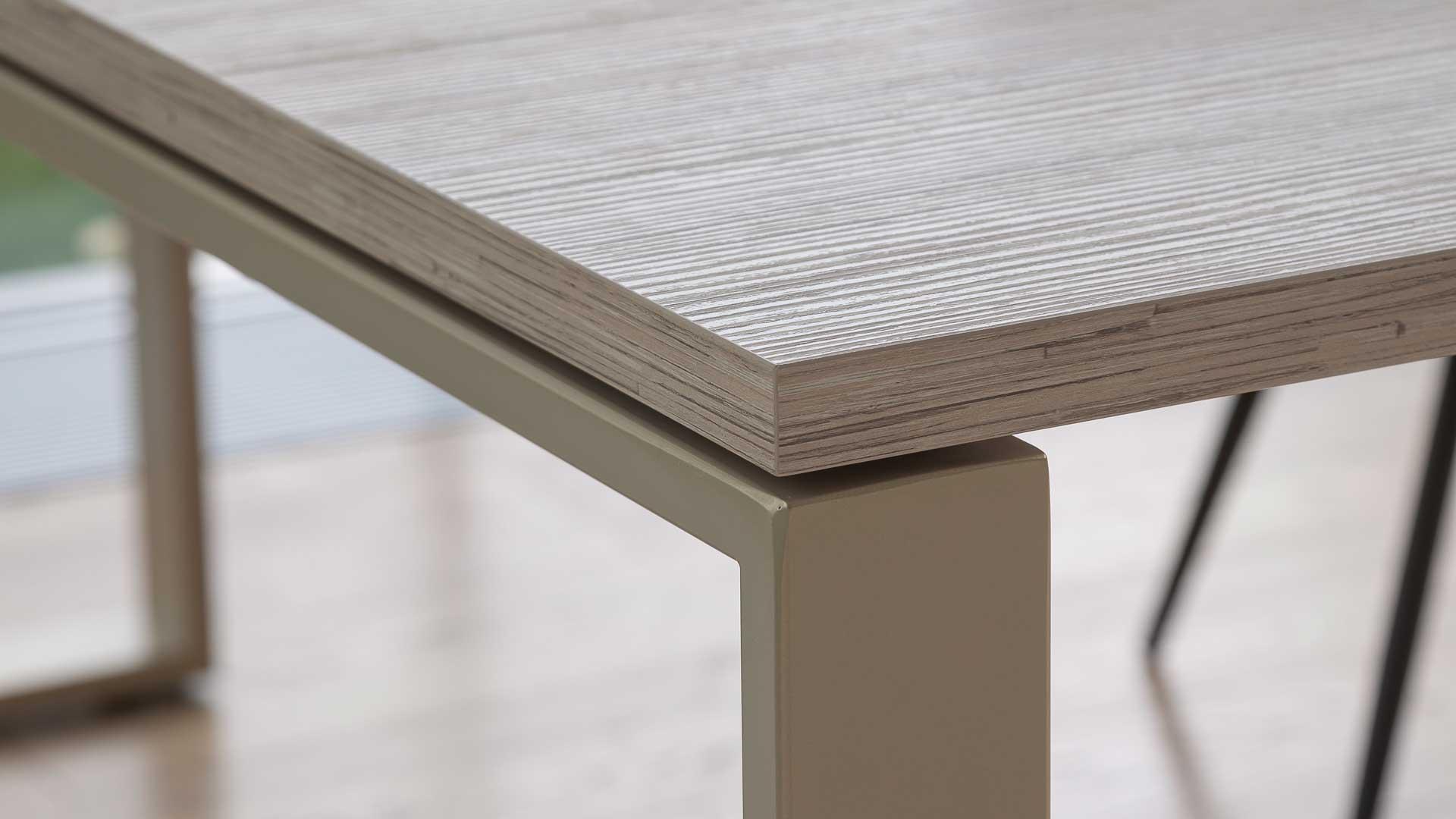 Biophilic-Design-in-ufficio-scrivania-frame-legno-Level-Office-Landscape