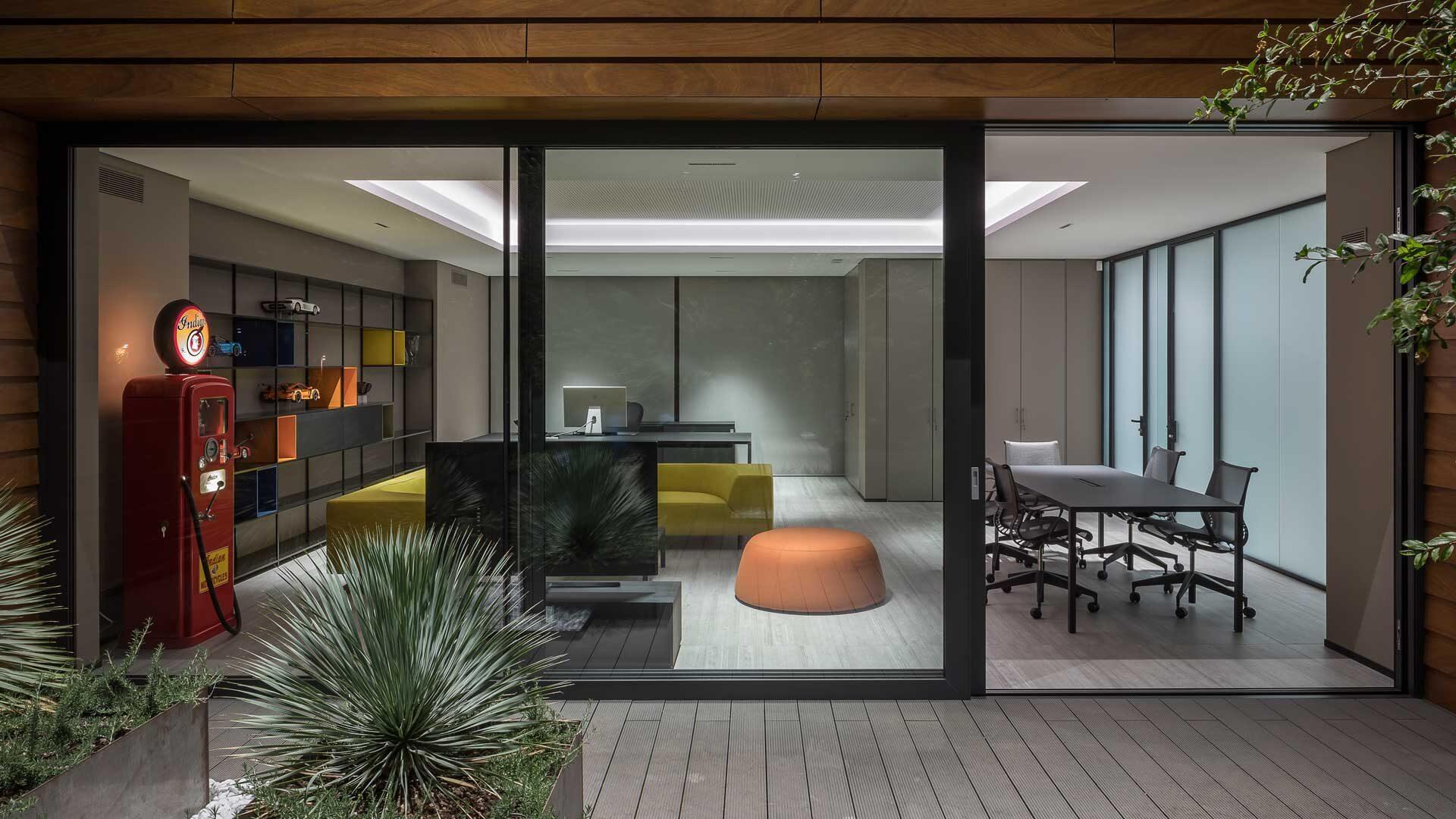 Tavoli-direzionali-per-ufficio-le-caratteristiche-Level-Office-Landscape