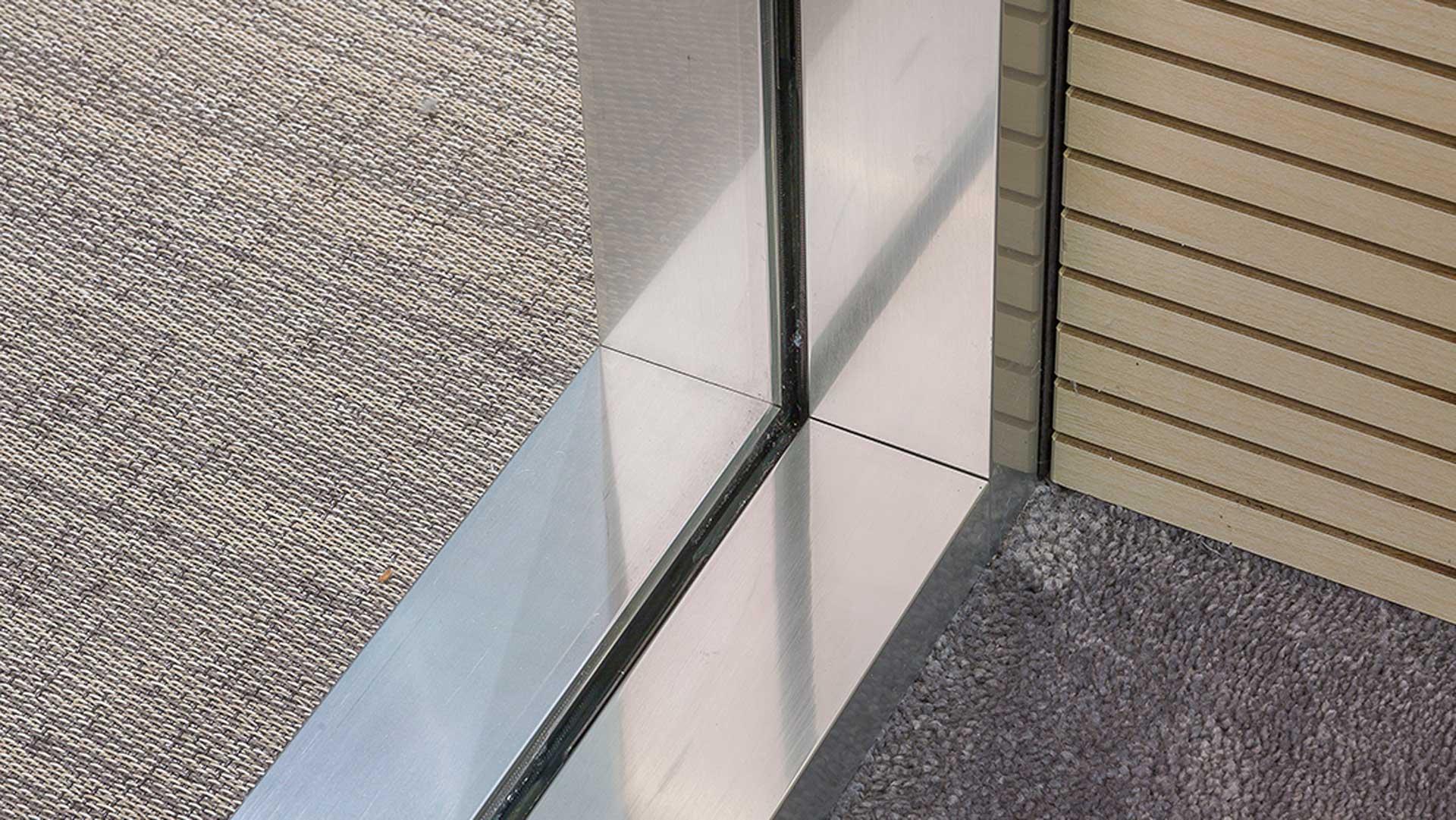Pareti-divisorie-ufficio-in-vetro-1-Level-Office-Landscape