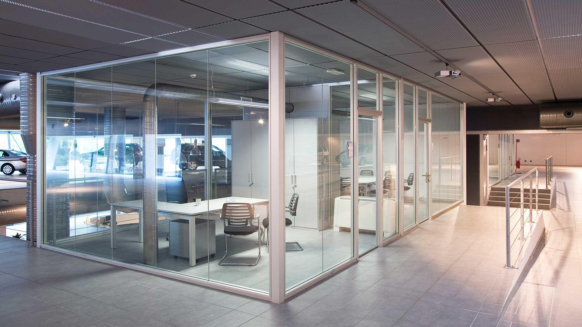 arredare-ufficio-concessionaria-auto-pareti-divisorie-Level-Office-Landscape