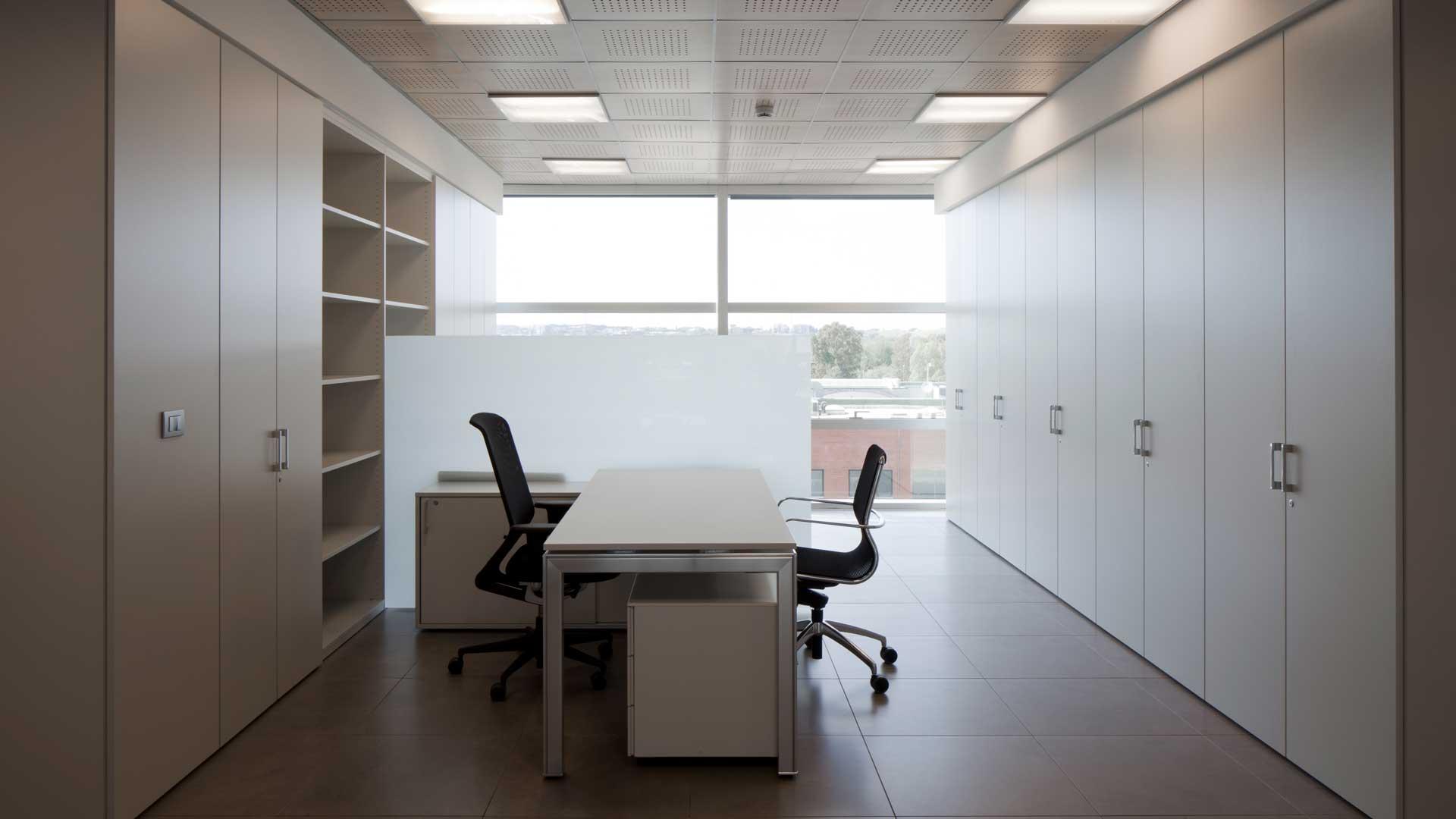 Armadiature-e-contenitori-ufficio-Level-Office-Landscape