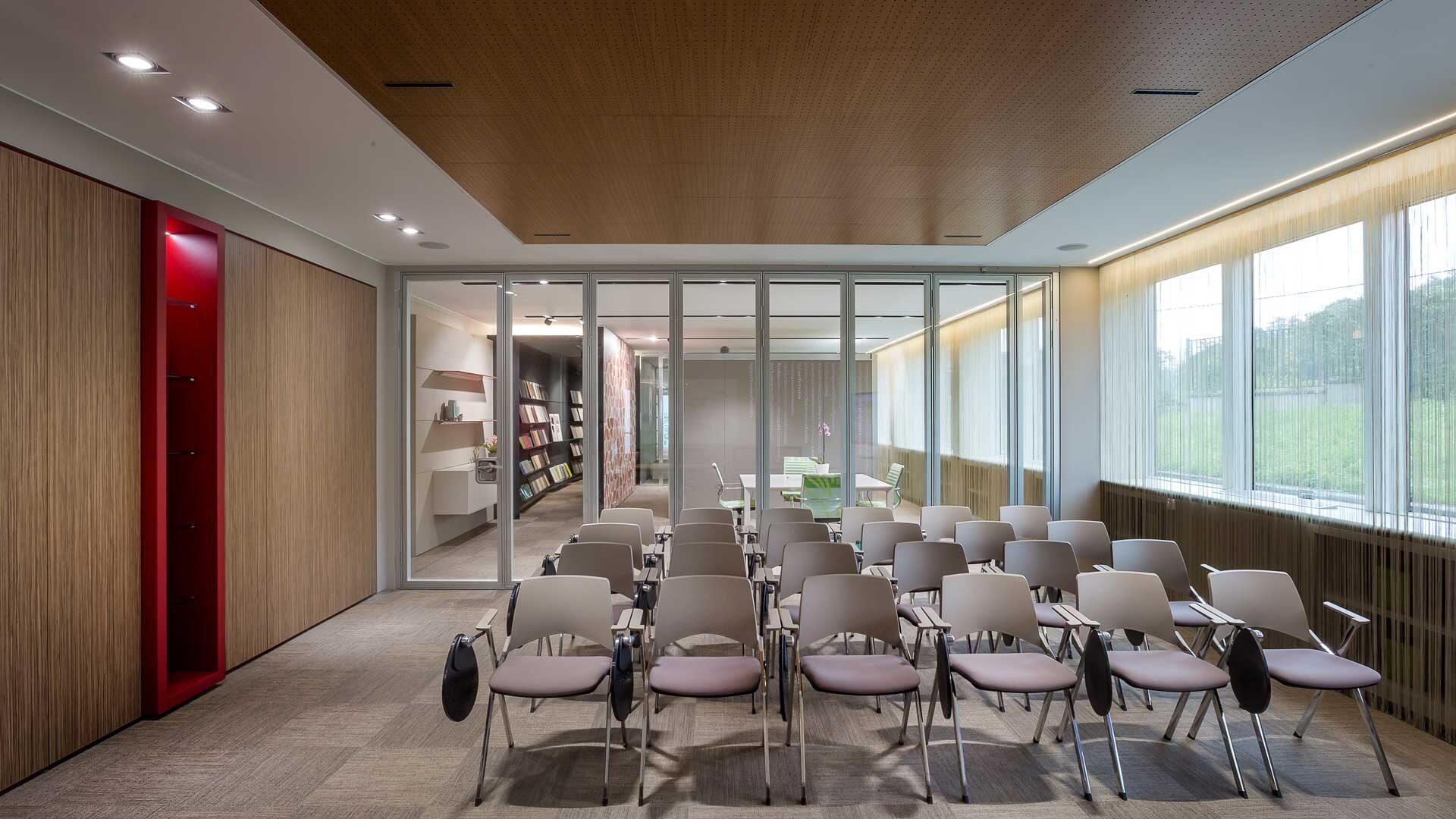 Controsoffitti-per-ufficio-pannelli-microforati-Level-Office-Landscape